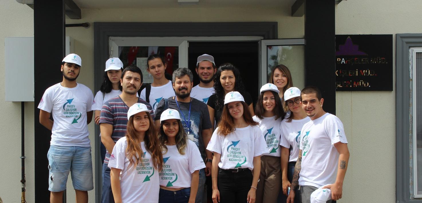 Çatalca Belediyesi Geri Dönüşüm İçin Kapı Kapı Bilgilendirme Yapıyor